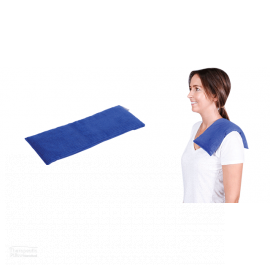 natural lupin heat pack rectangle women standing with lupin on her shoulder